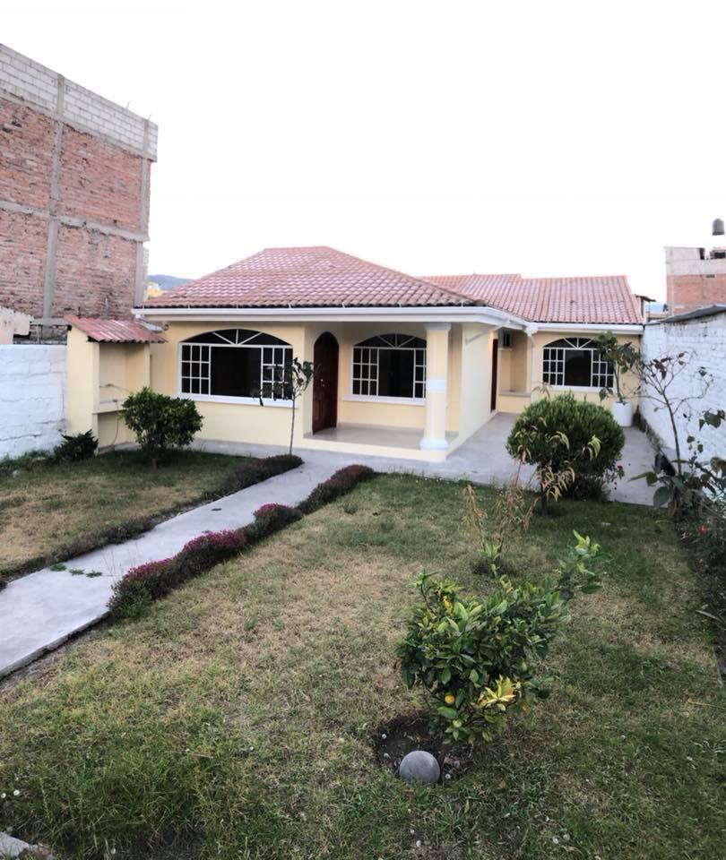 Casa en venta con terreno de 500 m2